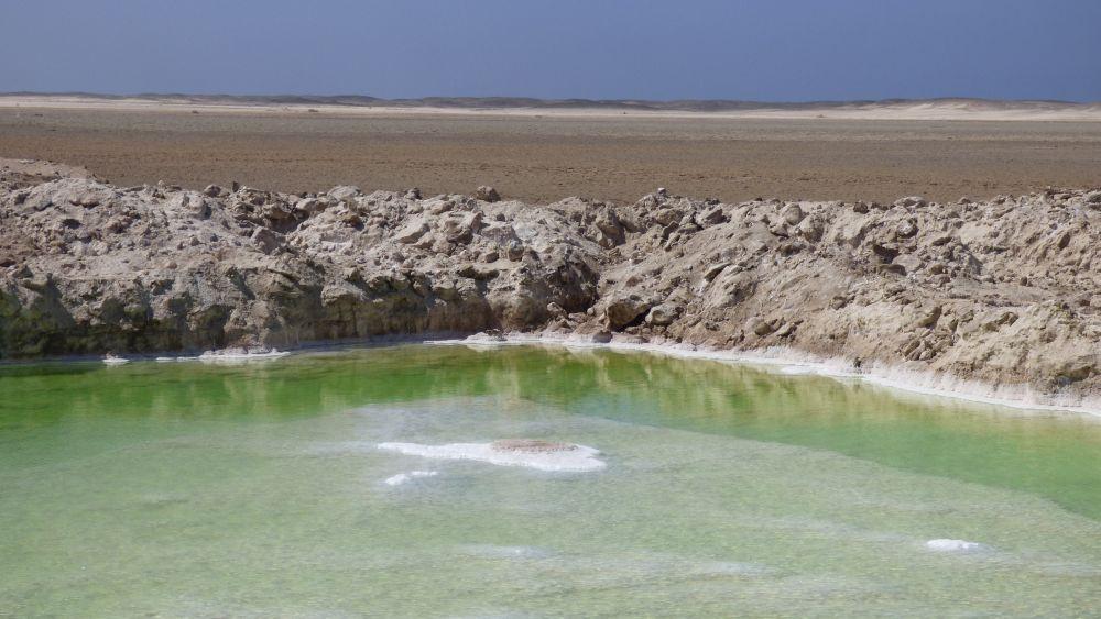 Salzsee an der Skelettküste Namibia